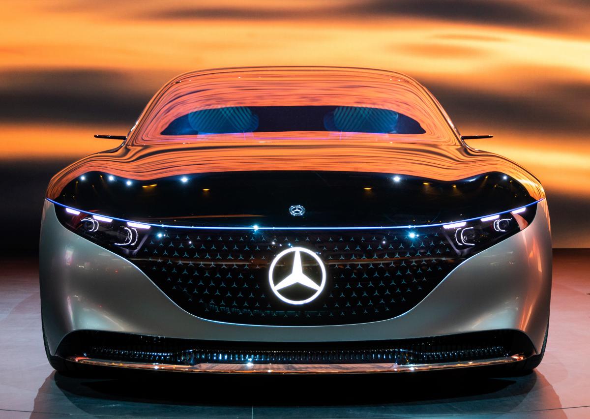 Otvorenie Mercedesu v Bratislave